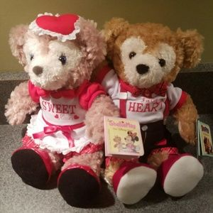 NWT Disney Duffy and Shellie May Valentine Plush.